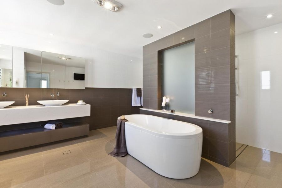 Modern Small Ensuite Of Darren James Interiors Queensland Homes Magazine