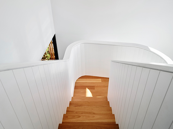 MCD Constructions West End Home modern stairway