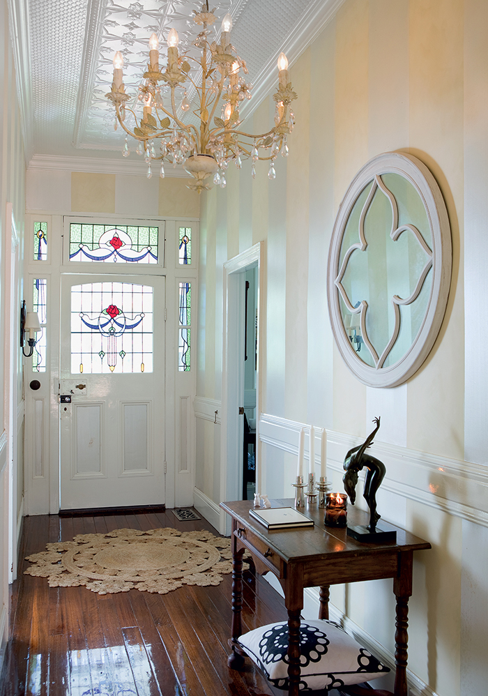 front-entryway-to-grand-home