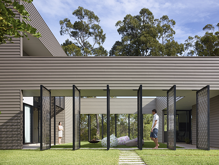 Walkway - The Bird House by Jamison Architects