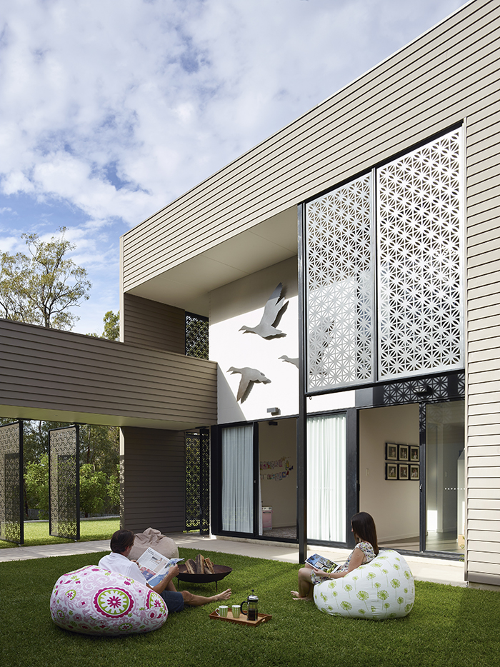 Courtyard - The Bird House by Jamison Architects