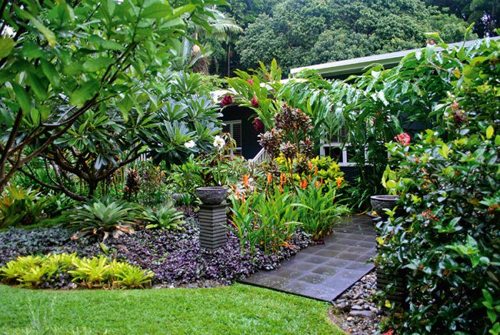 Outdoor living tropical tabu queensland homes magazine for Garden designs queensland