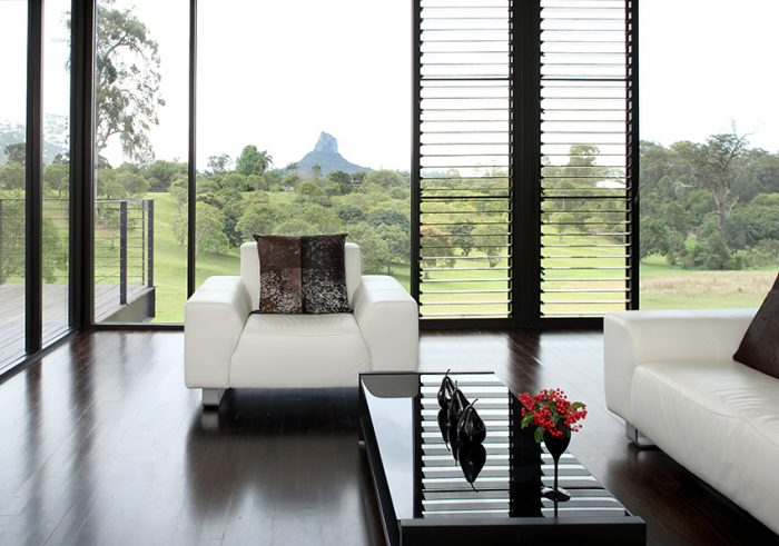 Glasshouse-Mountains-home_001