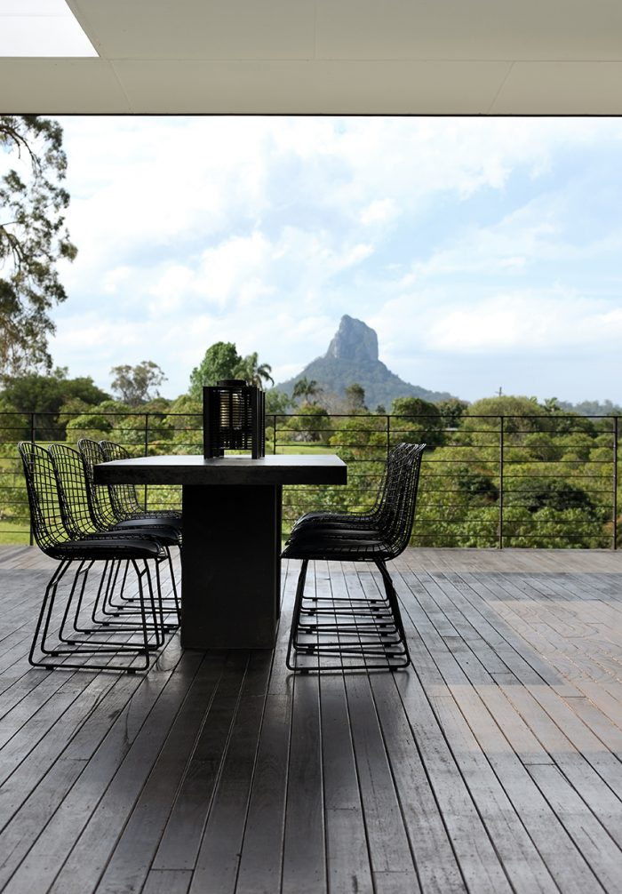Glasshouse-Mountains-home_020