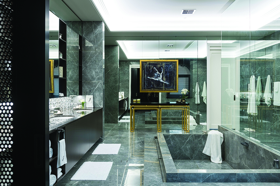 Robertsons luxury Gold Coast home bathroom