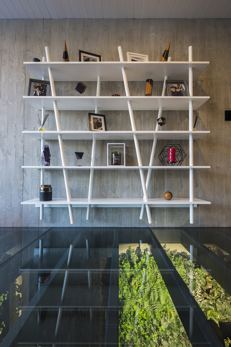 Di Henshall Design NZ home bookcase