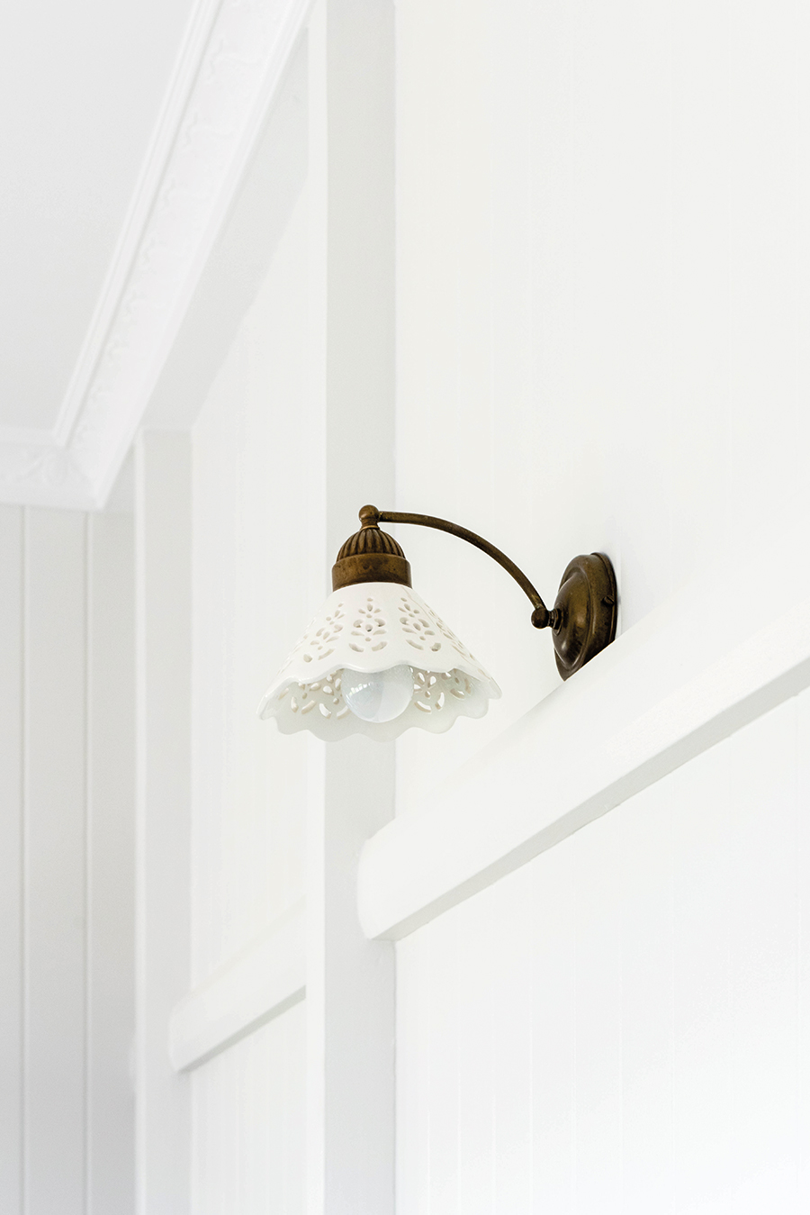 Connors and Co Queenslander home light fitting