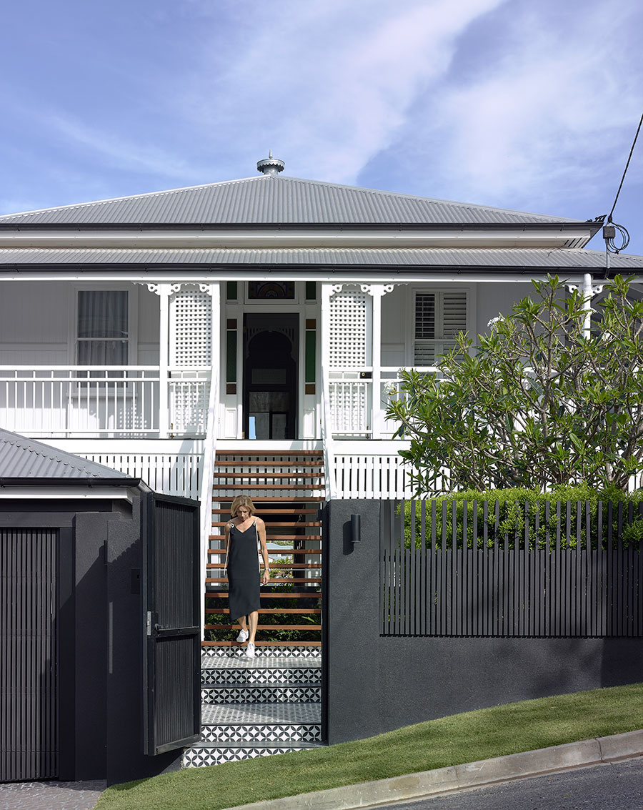 Shaun Lockyer Architects Queenslander renovation facade