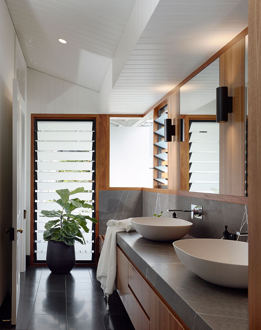 Shaun Lockyer Architecture Queenslander renovation bathroom