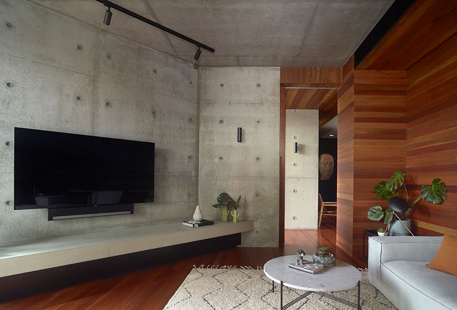 Shaun Lockyer Architecture Queenslander renovation concrete walls