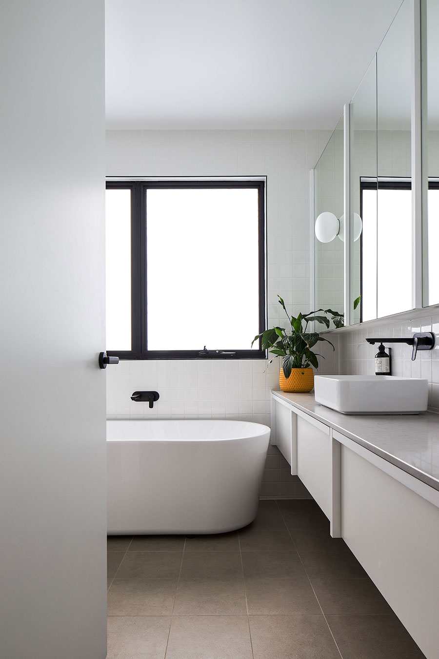 SMITH Architects modern family home bathroom
