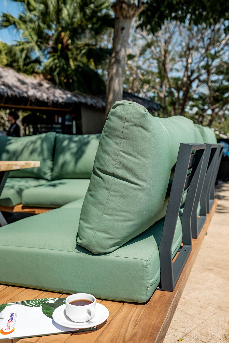 Griffin outdoor lounge Lume outdoor Living