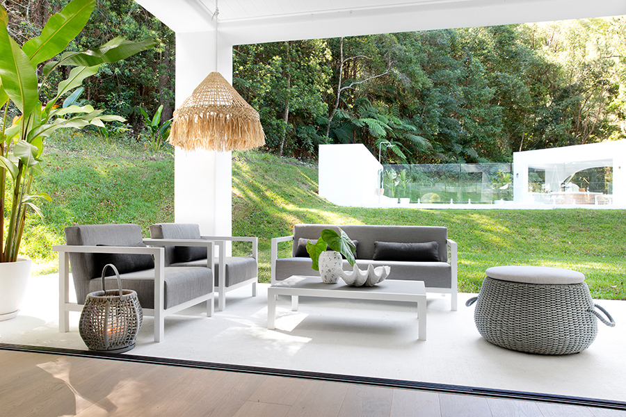Jive outdoor lounge Lume outdoor Living