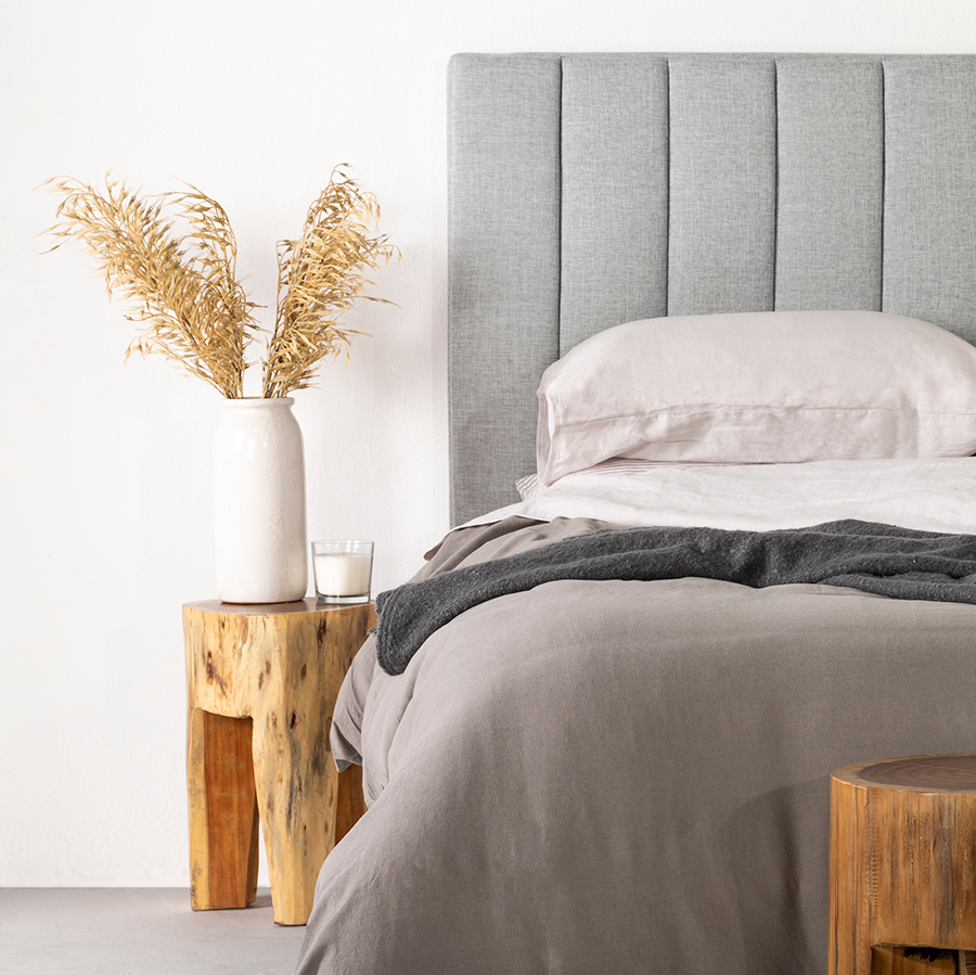 Lounge Lovers relaxed bedroom style